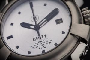 reloj titanio