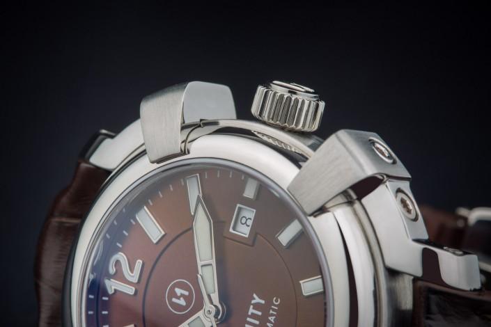 reloj marron