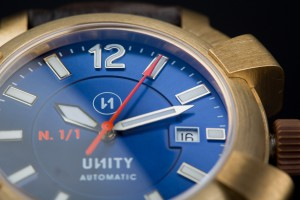 reloj-unico-azul