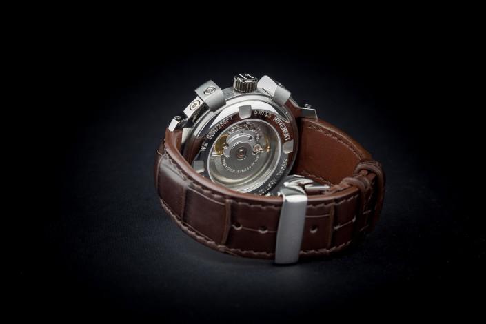 brown watch