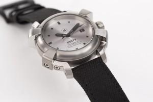 reloj de titanio