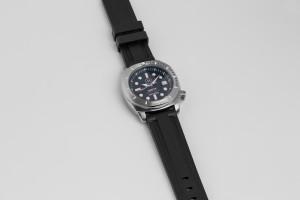 rubber-strap-unity-diver