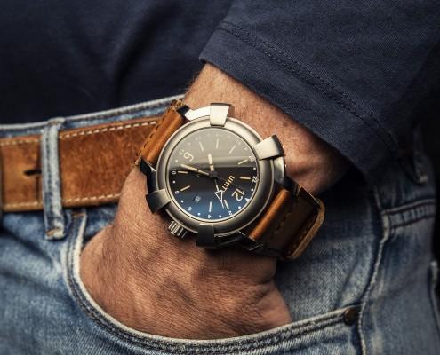 Foto reloj titanio GMT