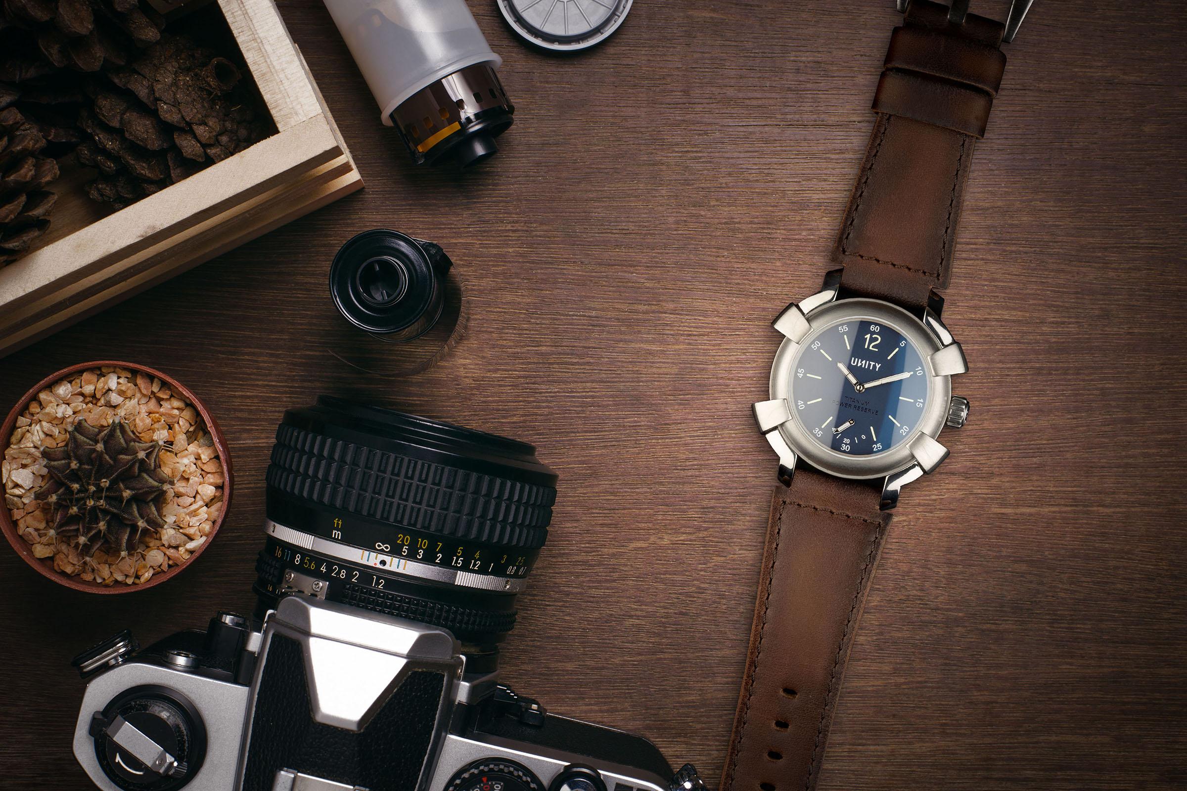 reloj titanio azul