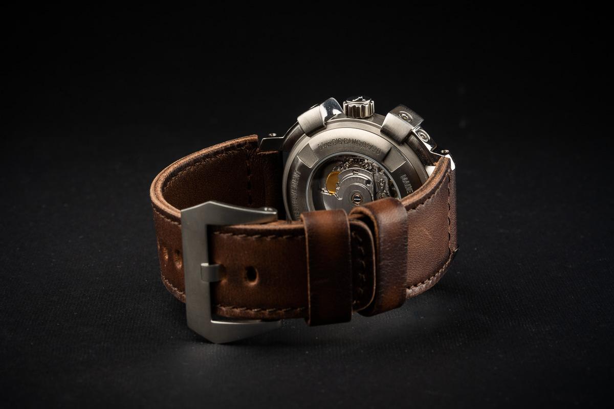 reloj titanio reserva marcha
