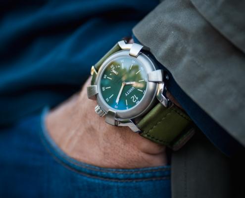 reloj titanio verde militar